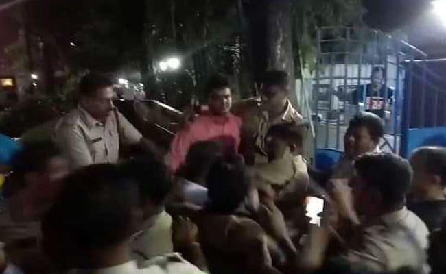 बंगाल: गुजरात से आए BJP कार्यकर्ताओं को पुलिस ने होटल से निकाला, TMC उम्मीदवार ने कहा था- उनके पास हो सकते हैं हथियार और कैश