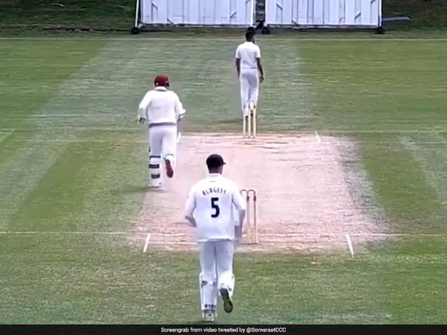 Marcus Trescothick Falls Twice While Running Between Wickets - Watch