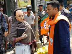In Bengal, Vidyasagar Lookalike Campaigns For BJP Amid Row Over Statue