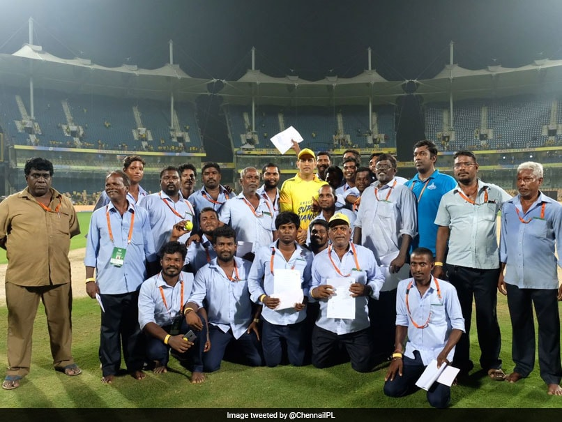 MS Dhoni Poses With Chepauk Ground Staff, Fans Applaud Noble Gesture