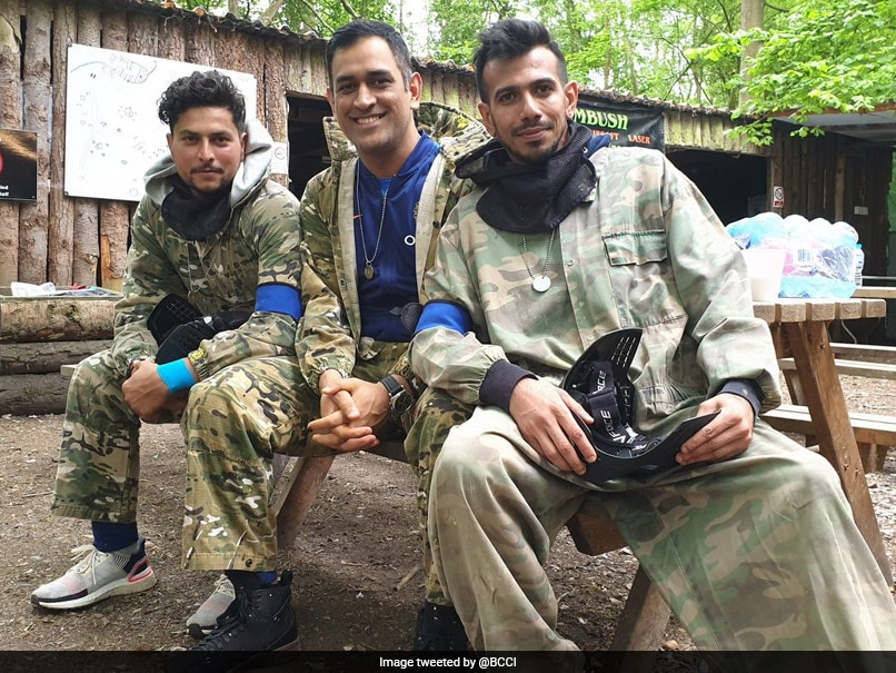 Fun Day Out For Indian Cricket Team Players MS Dhoni, Virat Kohli And Others