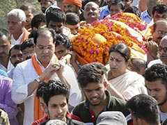 Smriti Irani Attends Funeral Of BJP Worker Shot Dead In Amethi