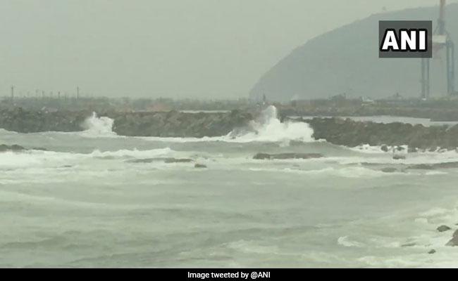 Cyclone Fani: भारत के बाहर इस देश में पहुंचा चक्रवाती तूफान, मौसम का बिगड़ा मिजाज़