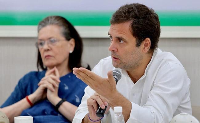 इस्तीफे पर अड़े राहुल गांधी, कहा- पार्टी के वरिष्ठ नेता अपने बेटों को ही आगे बढ़ाने में लगे रहे