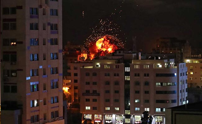 Israeli Killed And 2 Palestinian Gunmen Dead As Gaza Violence Persists