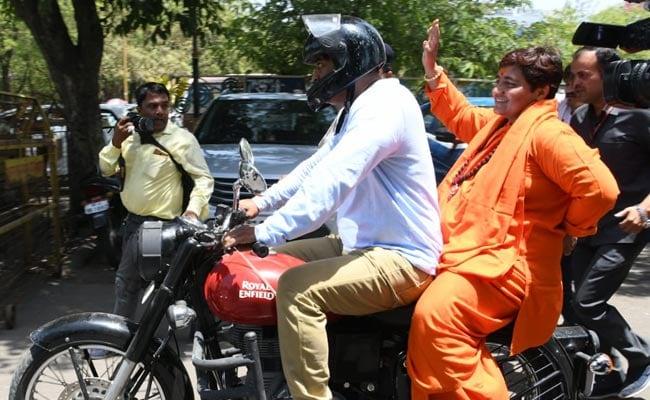 पीएम मोदी कर रहे कांग्रेस पर तंज, प्रज्ञा ठाकुर के घोषणा पत्र में भोपाल के गैस पीड़ित नदारद