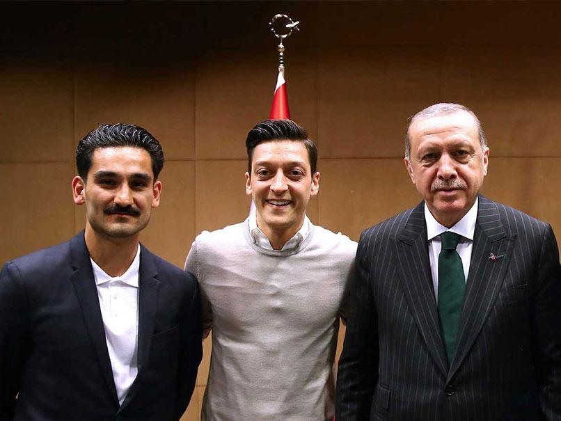 Mesut Ozil Dines With Turkey