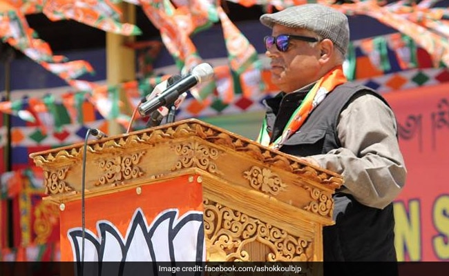 BJP Functionary In J&K Surrenders Security Cover After Worker's Killing