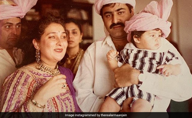 Can You Spot Rishi And Neetu Kapoor In Ranbir's Cousin Armaan Jain's Throwback Pic?