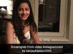 अनन्या पांडेय से इस बॉलीवुड एक्टर ने फिल्म साइन करने का मांगा वादा, बोले- गीता पर हाथ रखकर कसम...देखें Video