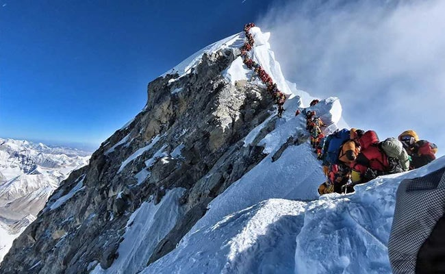 Out Of Oxygen, Climbers Stuck In Everest 'Jam' Pleaded To Make Way: Guide
