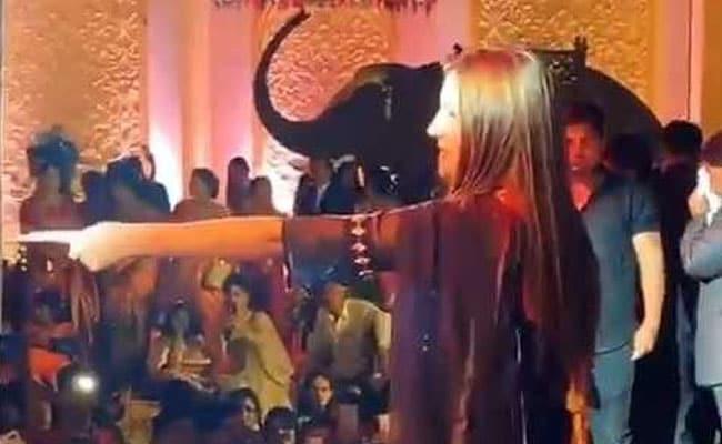 सपना चौधरी ने हरियाणवी गाने 'वो किसी और ने चाहवे से' पर किया धमाकेदार डांस, बार-बार देखा जा रहा Video