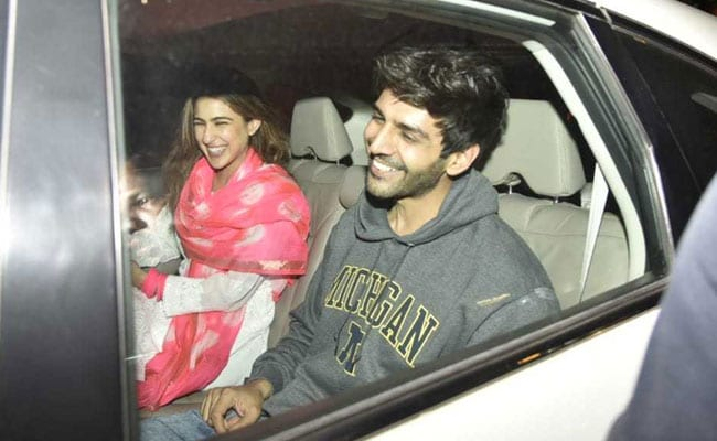 Pics: Love Aaj Kal 2 Co-Stars Sara Ali Khan And Kartik Aaryan Chill Post Pack-Up