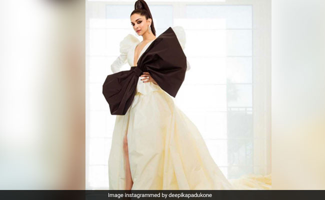 Cannes 2019: Deepika Padukone On The Red Carpet, Gift-Wrapped With Giant Bow