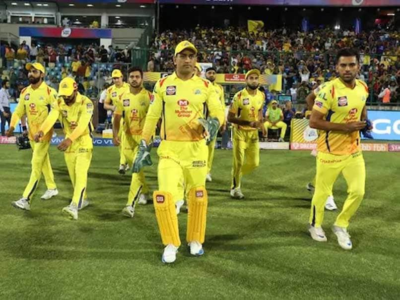 "Ex-IPL Auctioneer Richard Madley Shares ""Rare Cricket Memorabilia"" Ahead Of MI vs CSK Final"