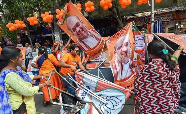 Election 2019: बंगाल में प्रचार पर रोक- कांग्रेस ने बताया 'लोकतंत्र के इतिहास का काला दिन' तो TMC बोली- EC ने PM मोदी को दिया 'तोहफा'