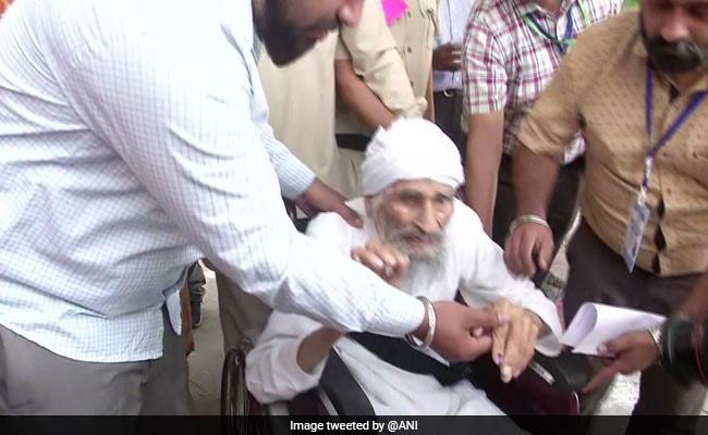 Delhi's Oldest Voter Bachan Singh, 111, Has Not Missed Voting Since 1951