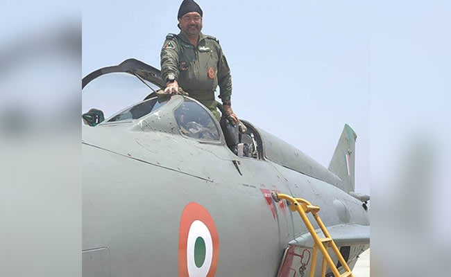 IAF Chief Flies Oldest MiG-21 Variant, Which Entered Service 45 Years Ago