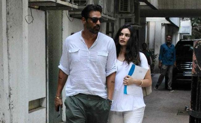 Spotted: Arjun Rampal With Pregnant Girlfriend Gabriella Demetriades