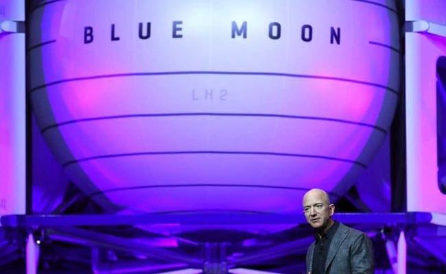87b9f58f4 Amazon's Jeff Bezos Unveils Lunar Lander Project