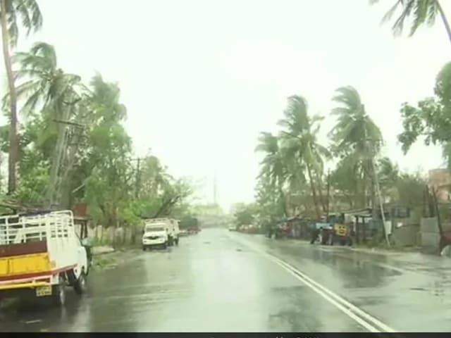 Video : மேற்கு வங்காளத்தை தாக்குகிறது ஃபானி புயல்