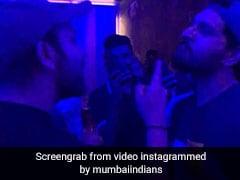IPL 2019: चैम्पियन बनने के बाद रोहित शर्मा ने सुनाया RAP, युवराज सिंह ने ऐसे लिए मजे, देखें VIDEO