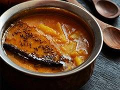 Summer Diet: Watch How To Make Raw Mango Dal <I> (Kache Aam Ki Dal) </I> At Home