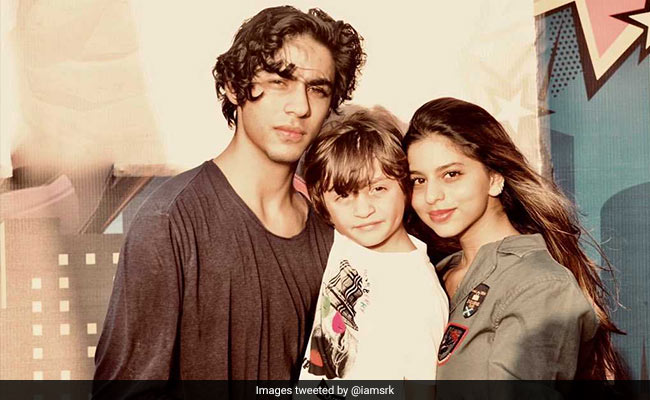 This Pic Of Aryan, Suhana And AbRam Is 'Sugar, Spice And Everything Nice.' Shah Rukh Khan's Words