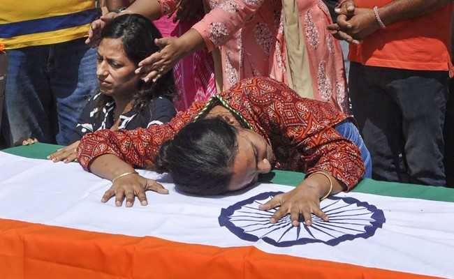 Rajnath Singh Leads Tribute To Army Major Killed In Jammu And Kashmir Encounter
