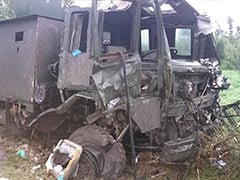 Army Vehicle Attacked In Jammu And Kashmir's Pulwama, 5 Soldiers Injured