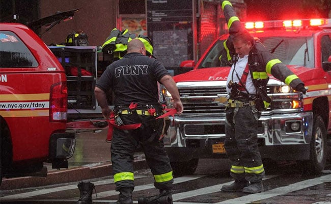 1 Dead As Helicopter Crashes Into New York Building