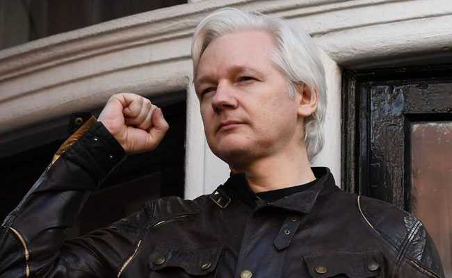 Swedish Prosecutors Interview New Witnesses In Assange case