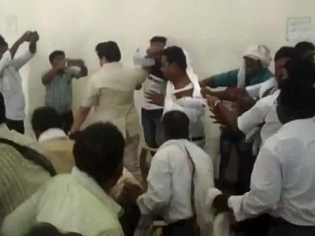 Video : BSP Workers Throw Chairs, Attack Leader In Shocking Free-For-All