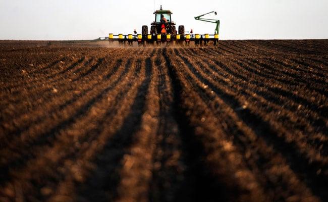 Farmers To Contribute Rs 100 Per Month Under PM-Kisan Pension Yojana