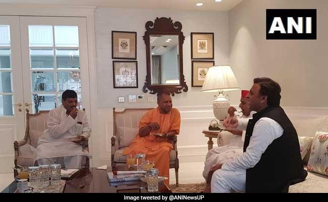 मुलायम सिंह यादव से मिले यूपी के मुख्यमंत्री योगी आदित्यनाथ, Tweet कर कही यह बात...