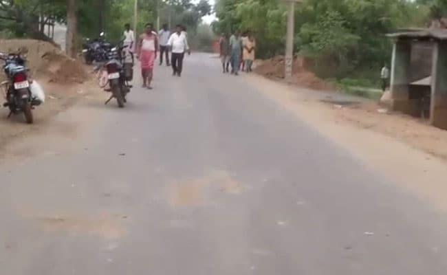 झारखंड के सरायकेला में माओवादी हमला, 5 पुलिसकर्मी शहीद, हथियार भी लूट ले गए