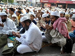 Eid Ul Fitr 2019: Eid Ul Fitr Celebrated With Fervour In Andhra Pradesh, Telangana