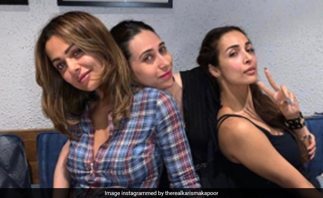 Inside Malaika Arora's Mid-Week Party With Karisma Kapoor And Amrita Arora. See Pics