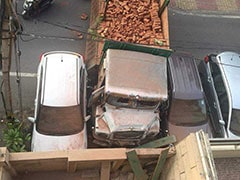 दिल्ली : अचानक तेज रफ्तार से ट्रक चला, कई वाहन क्षतिग्रस्त, ड्राइवर और क्लीनर फरार