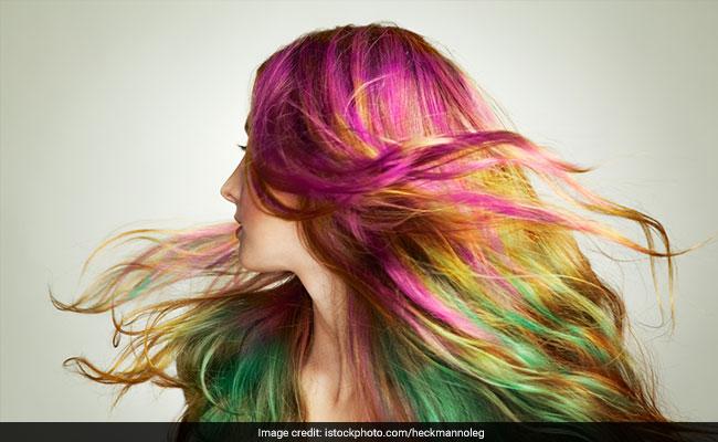 बालों में लगाया है कलर तो धूप में निकलने से पहले पढ़ लें ये 7 जरूरी Tips
