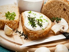 7 Delicious Cheese Spreads To Stock Up In Your Kitchen