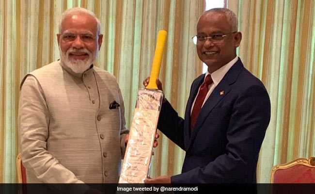 Focus On Cricket Diplomacy As PM Narendra Modi Gifts Bat To Maldives President
