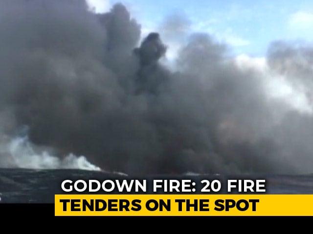 Video : Fire Breaks Out At Chemical Godown Near Kolkata's Howrah Bridge