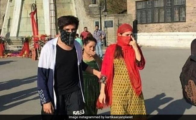 सारा अली खान सोनू के साथ मुंह छुपाए शिमला में घूमती आईं नजर, अब Photo हुईं वायरल