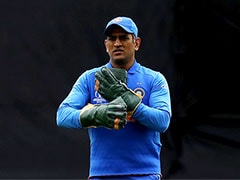 India vs Australia: MS Dhoni Removes Insignia From Wicketkeeping Gloves