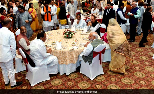 PM Hosts Dinner For Lawmakers; Lalu Yadav, Mayawati's Parties Skip