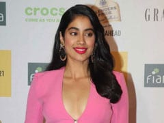 Janhvi Kapoor Calls Herself 'Old Fashioned.' Here's Why