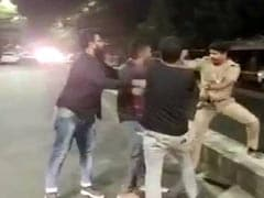 "On Video, Policeman Heckled By Four ""Drunk"" Men On Road In Chennai"