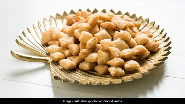 Recipe Video: Enjoy Your Cup Of Evening Tea With Crispy Shakarpara Made With Almonds