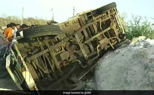 9 Killed, 5 Injured After Brakes Of Their Vehicle Fail In Gujarat